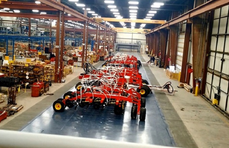 Tractor Attachment Assembly Line - IntelliTrak 1500i Series Inverted Conveyor